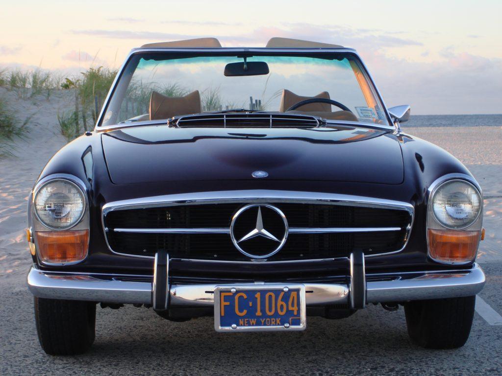 1971 Mercedes-Benz 280SL front
