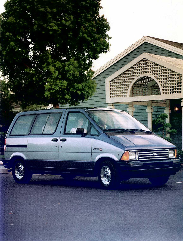 Ford Aerostar Van front three-quarter