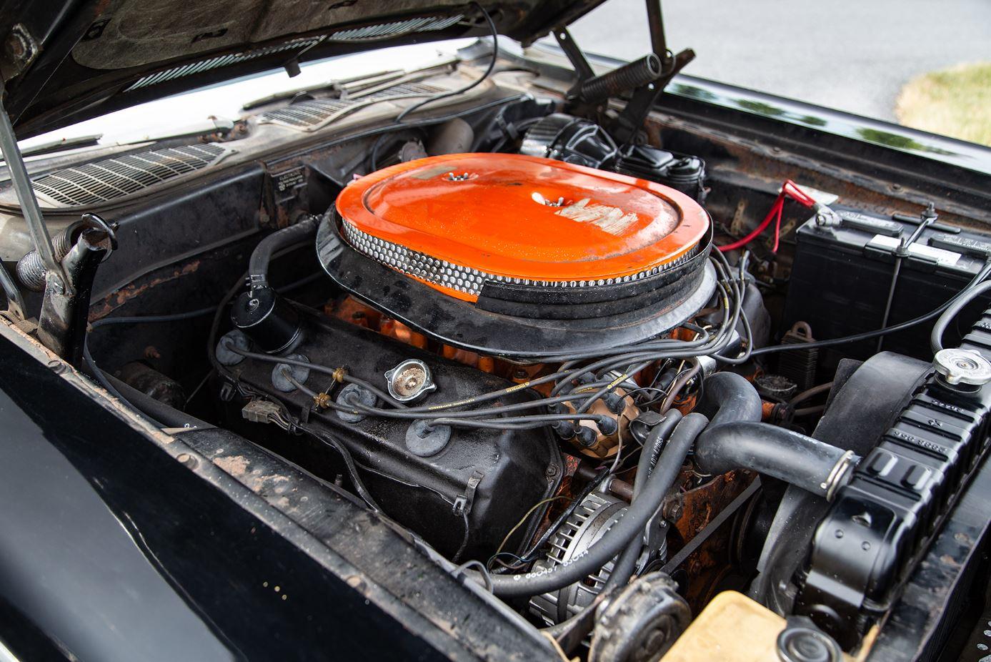 HVA - 1970 Dodge Challenger - Driving Experience - 426 HEMI Engine