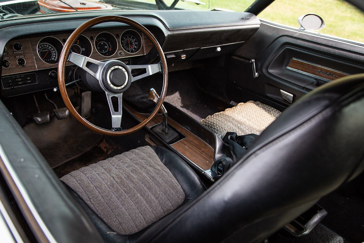 HVA - 1970 Dodge Challenger - Driving Experience - Interior