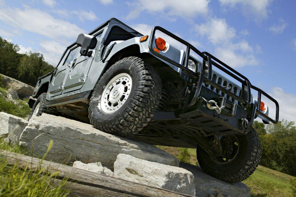 2004 Hummer H1 rock pile ascent