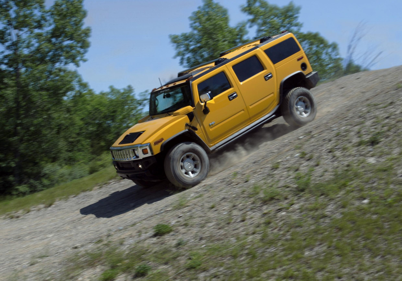 2004 Hummer H2 hill descent action