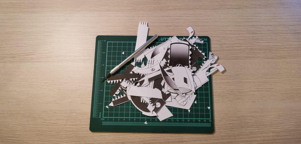 Lexus papercraft LFA in bits