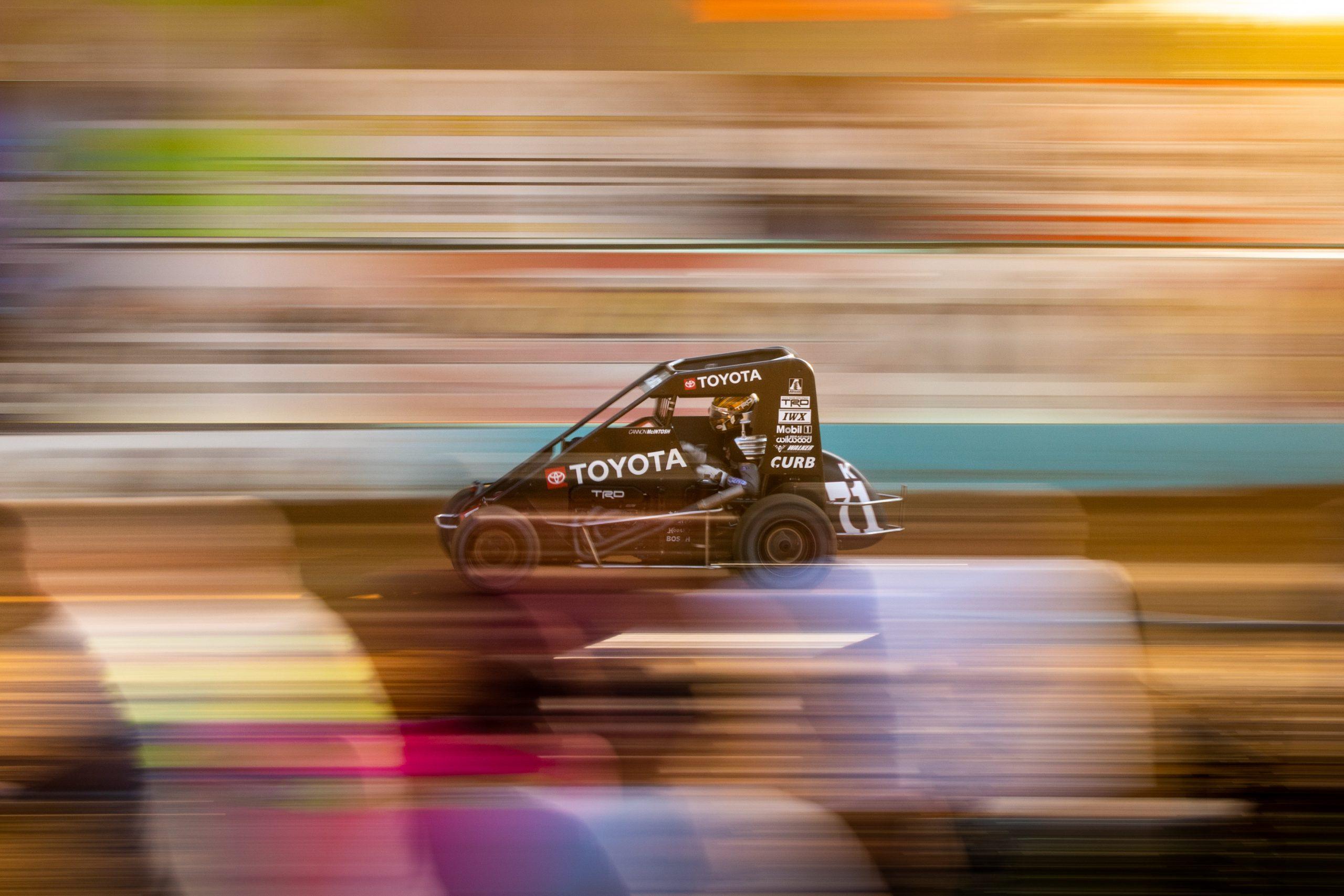 Dirt midget racing