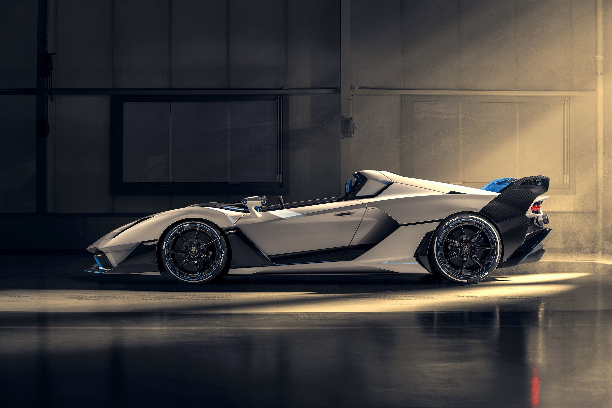 Lamborghini SC20 side profile
