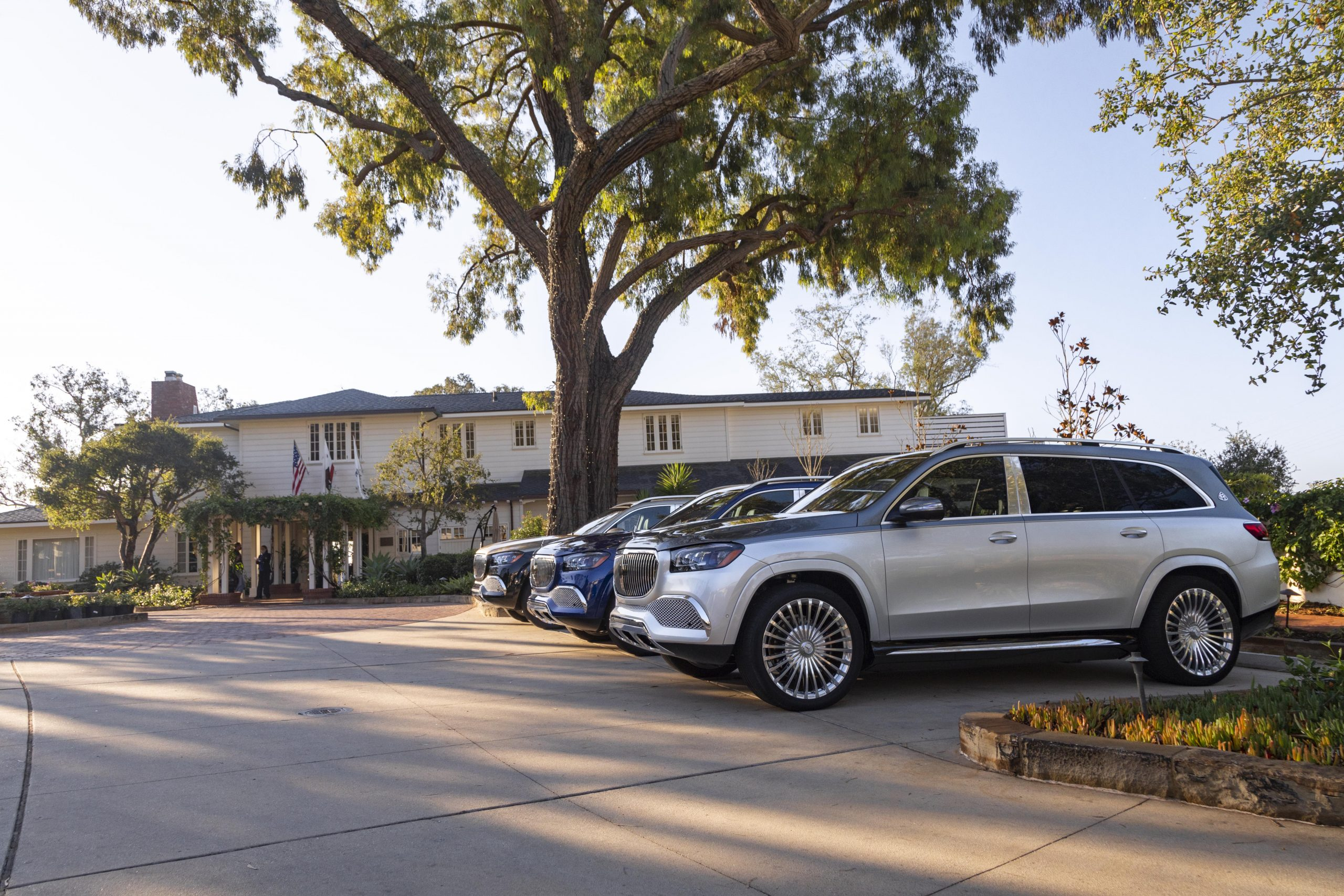 Mercedes-Maybach GLS 600 group front three-quarters parked