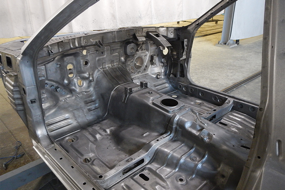NISMO R32 bare interior