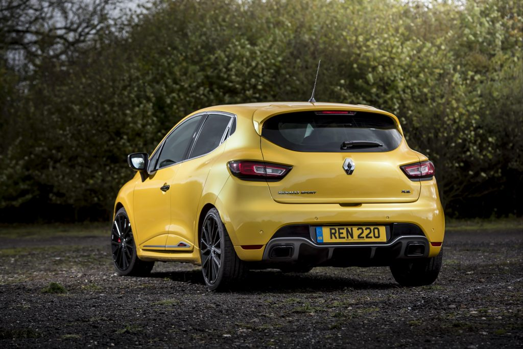 Clio Renault Sport 220 Trophy rear three-quarter