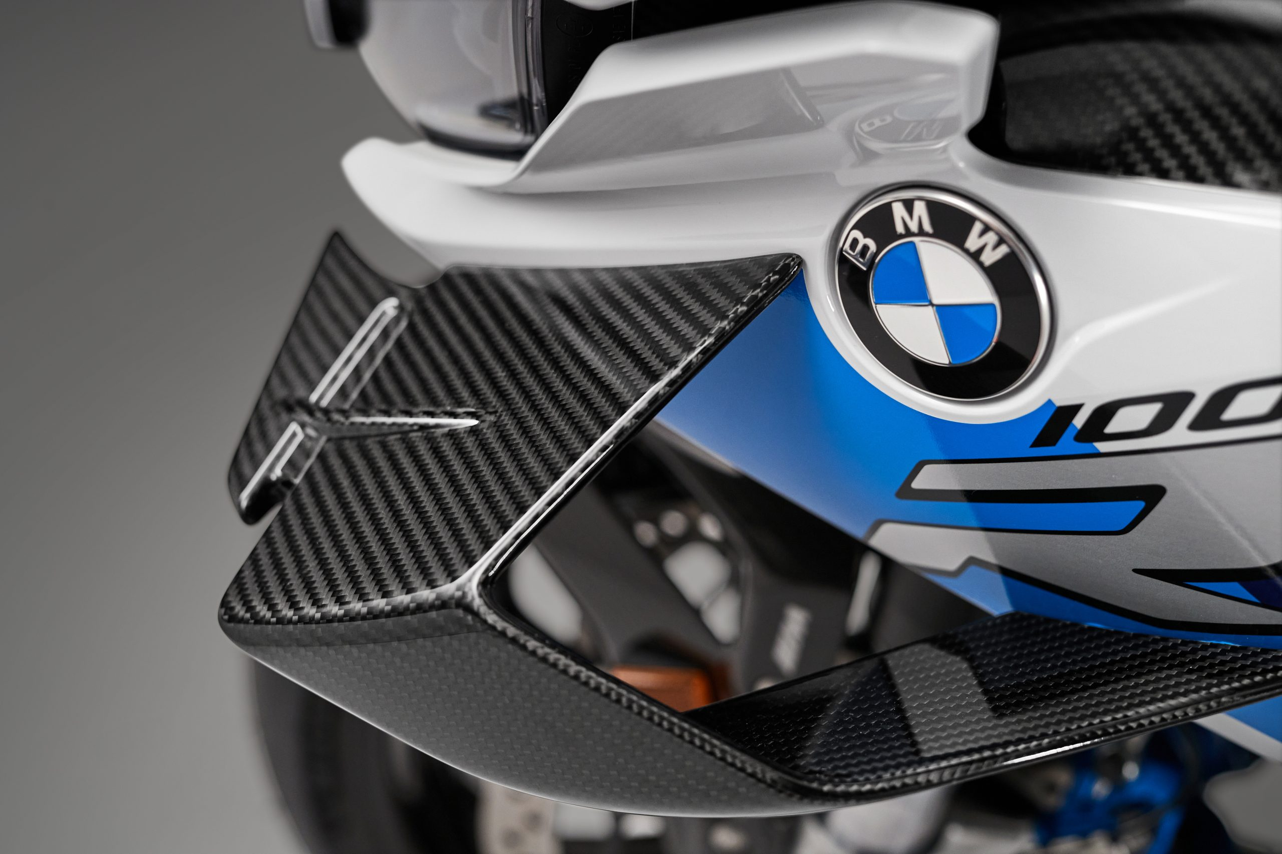 BMW M 1000RR wing detail