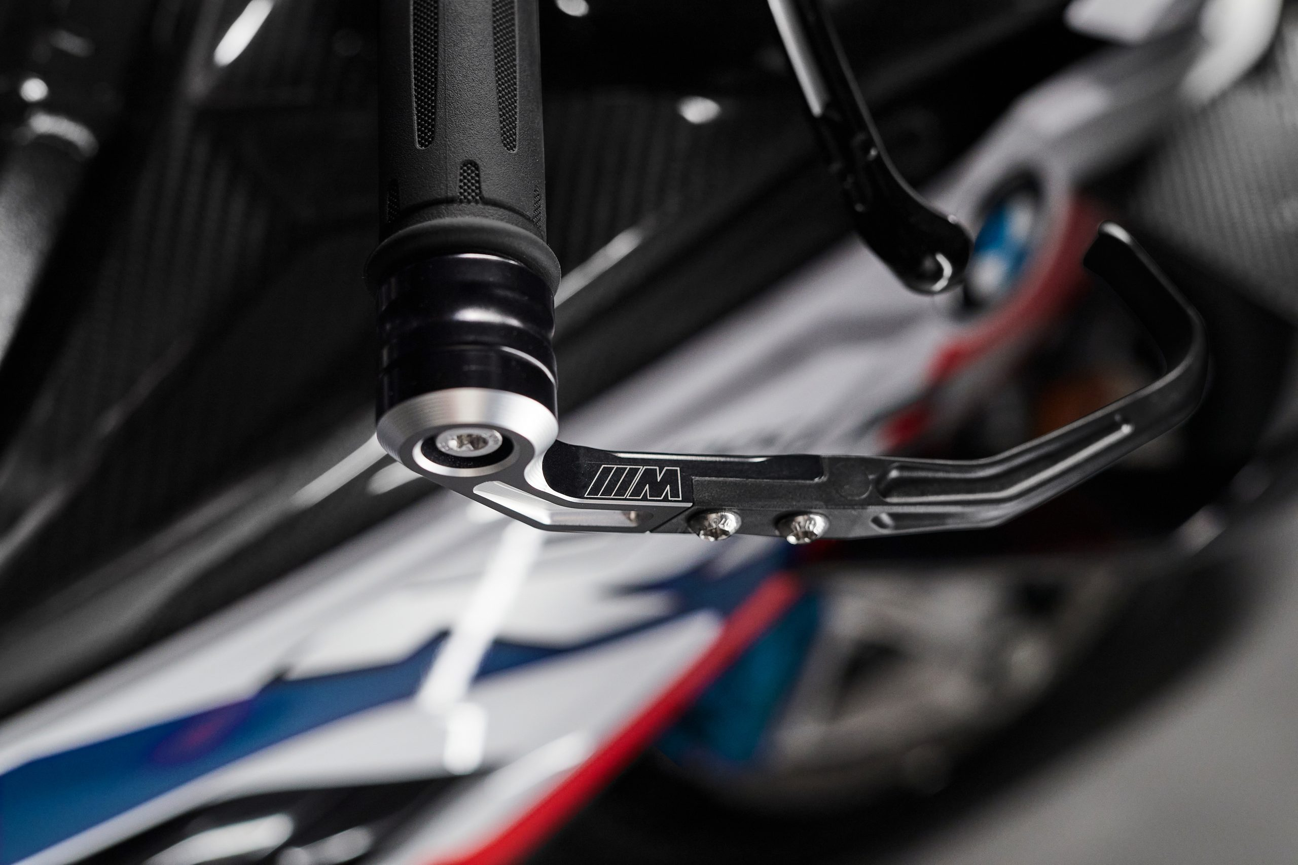 BMW M 1000RR CNC detail