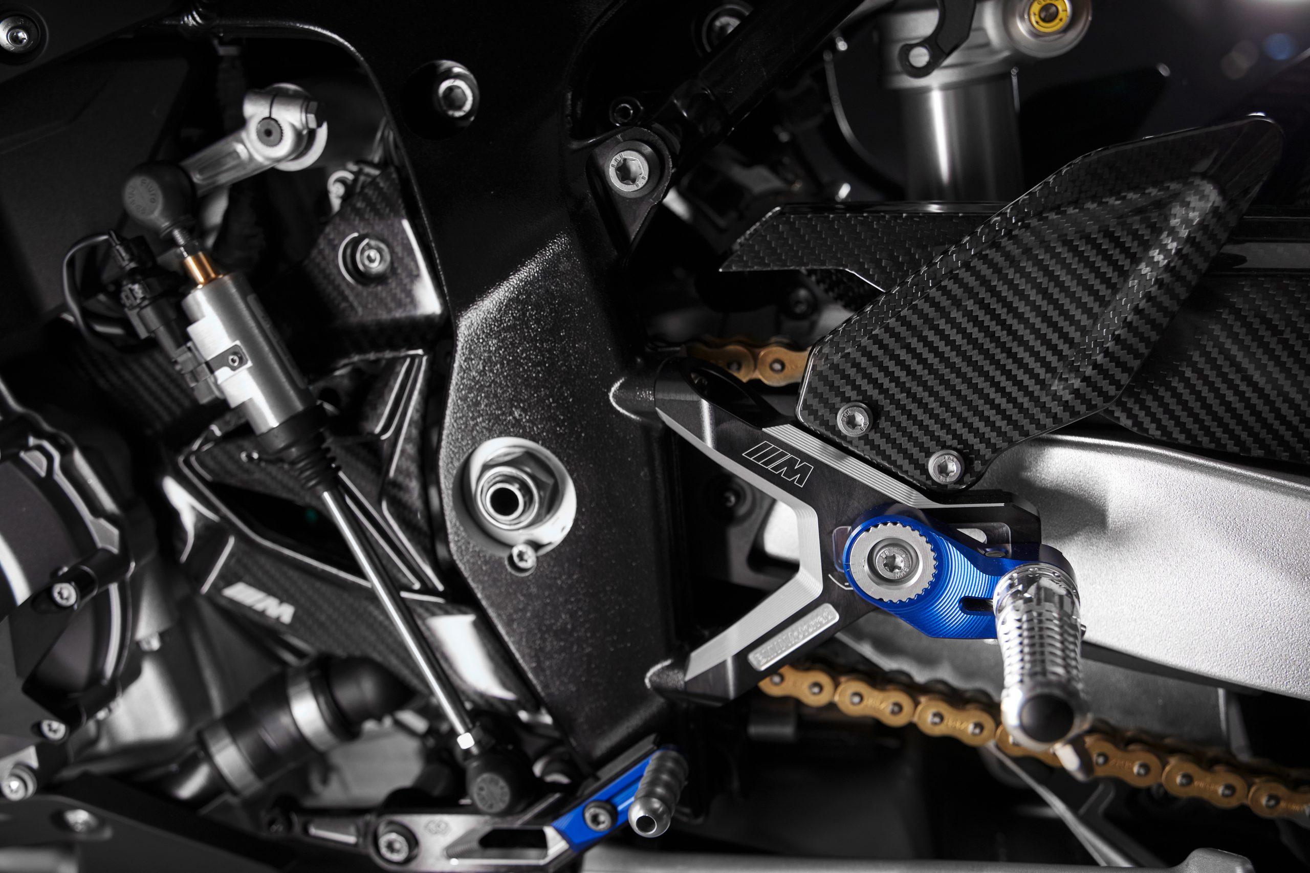 BMW M 1000RR rear set detail