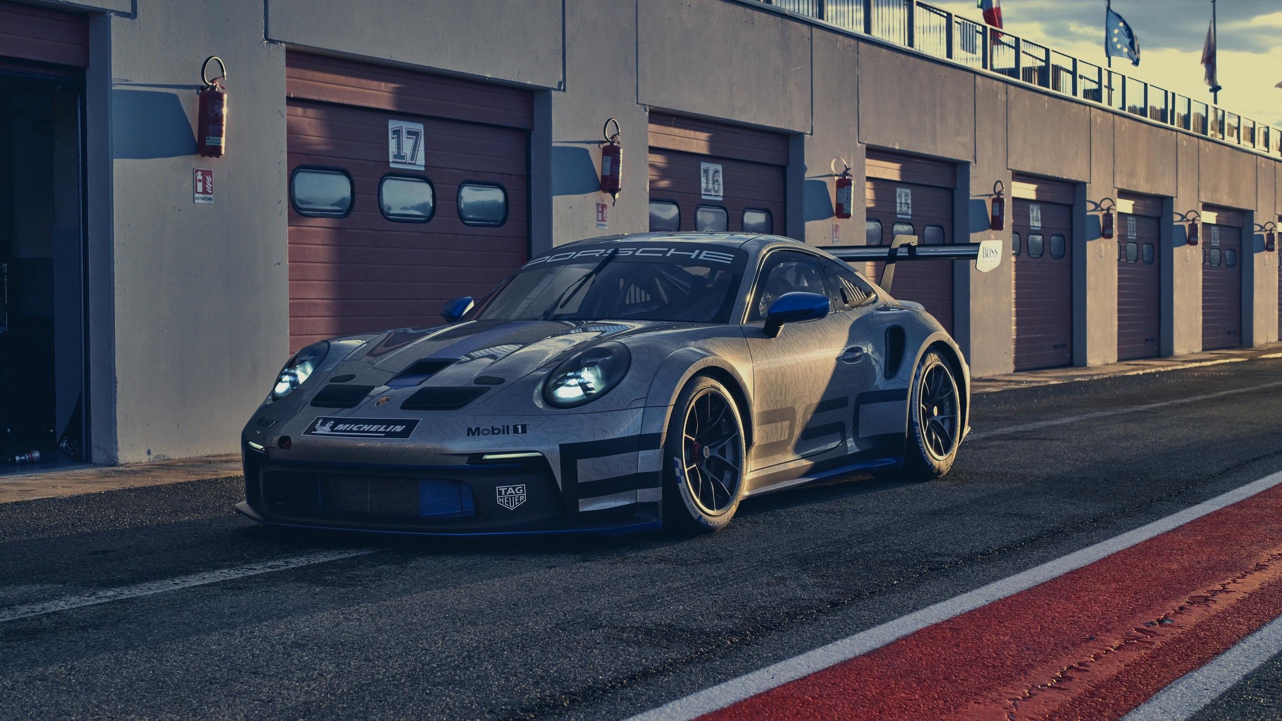 Porsche 911 GT3 front three-quarter