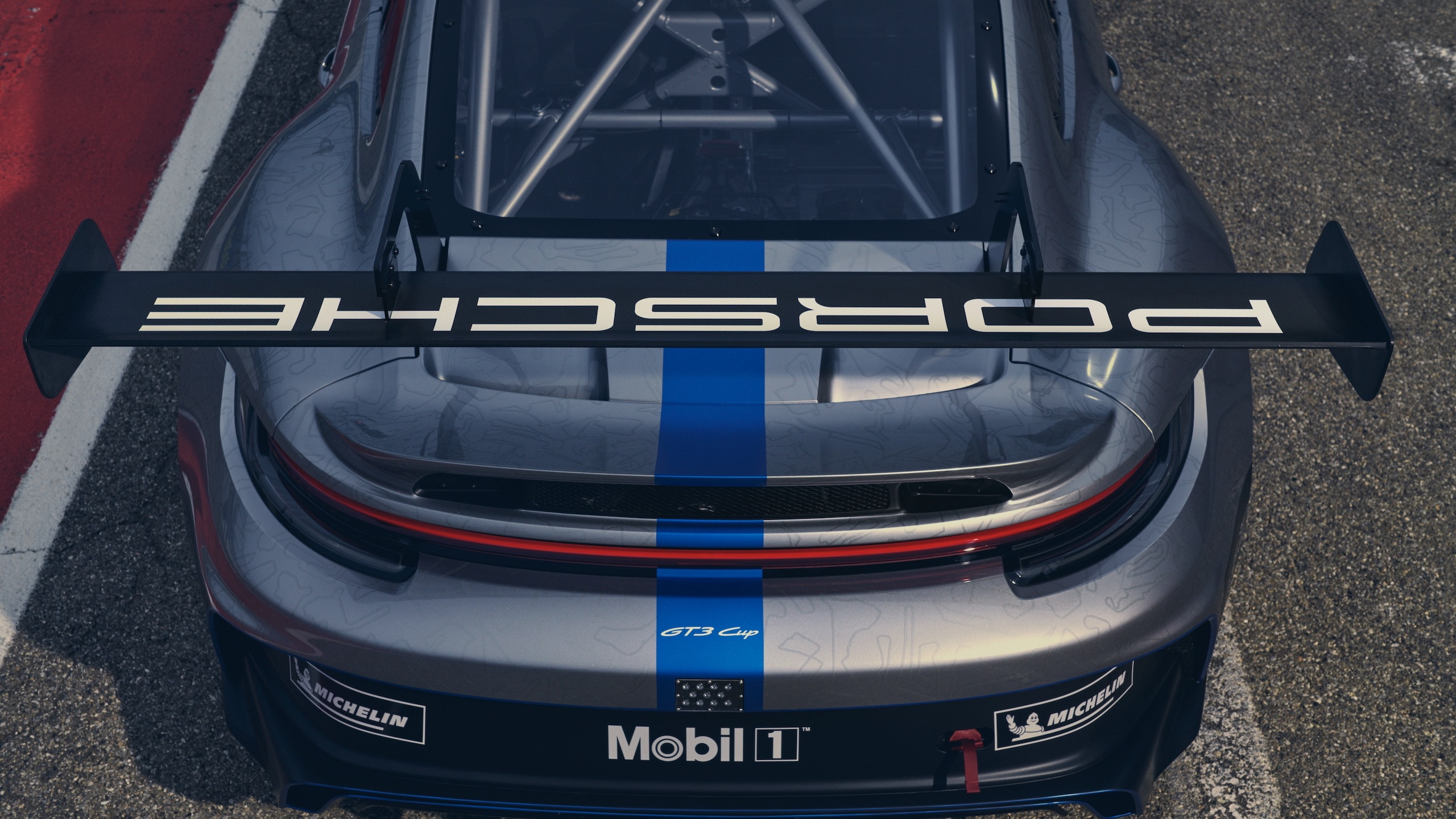 Porsche 911 GT3 rear wing detail
