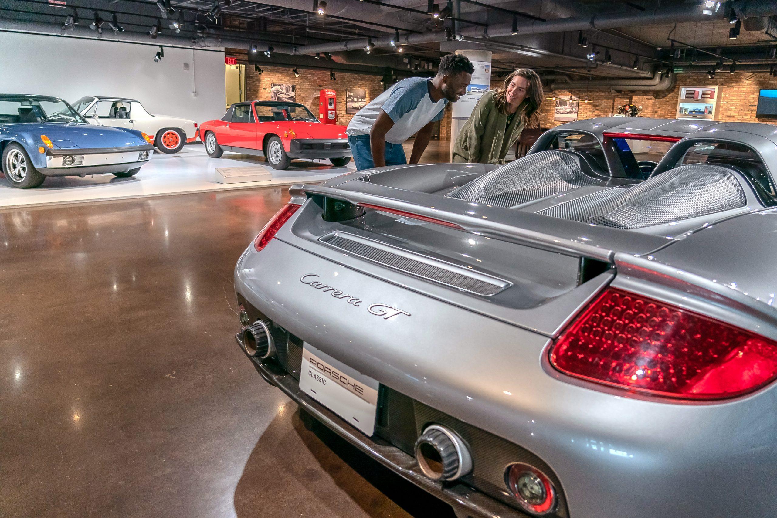 Porsche Carrera GT students observe
