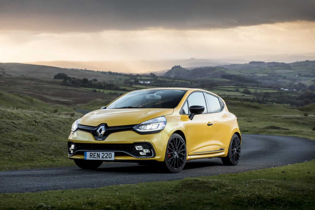 Renault Sport Clio front three-quarter