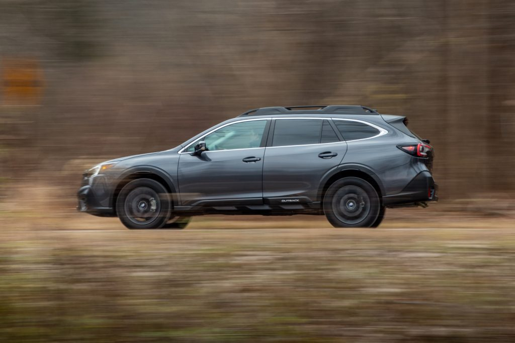 Subaru Outback side profile dynamic action