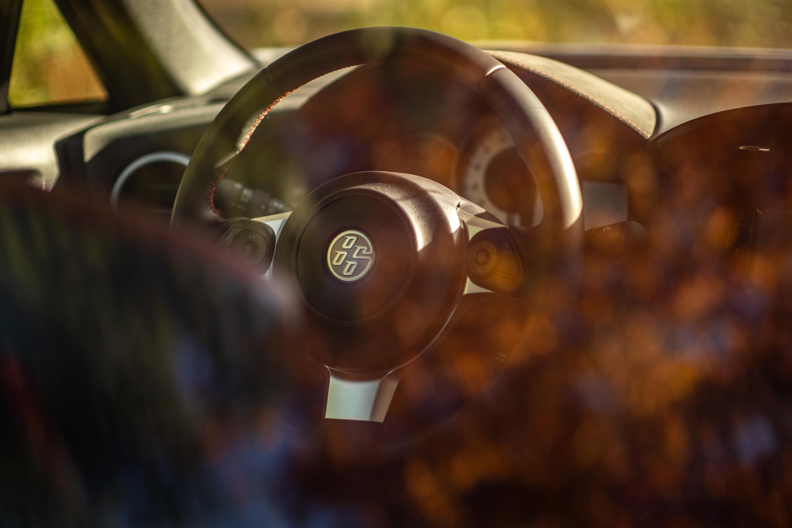 2020 Toyota 86 GT interior steering wheel