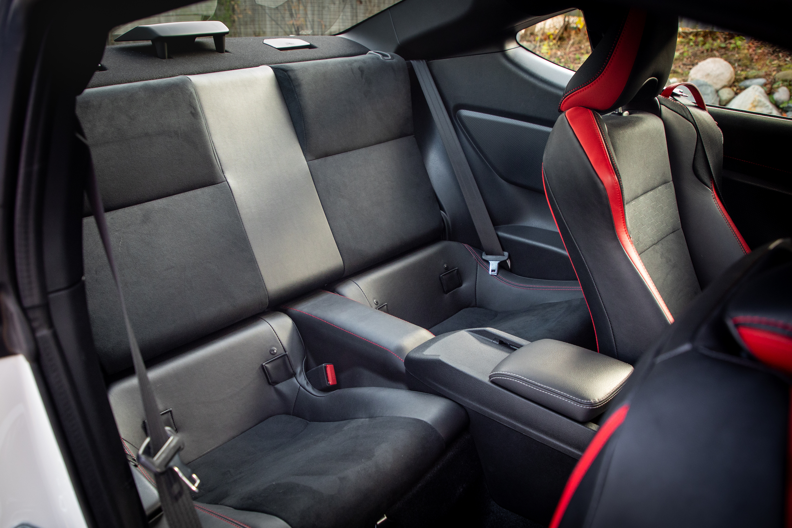 2020 Toyota 86 GT interior rear seat space