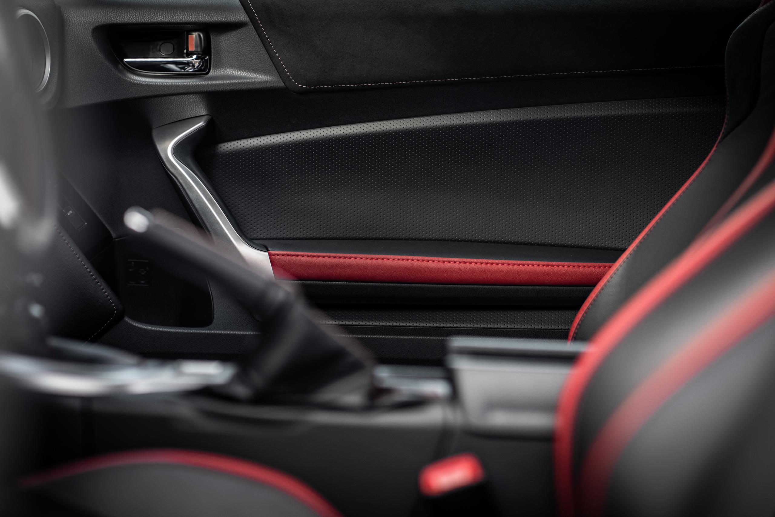 2020 Toyota 86 GT interior door panel