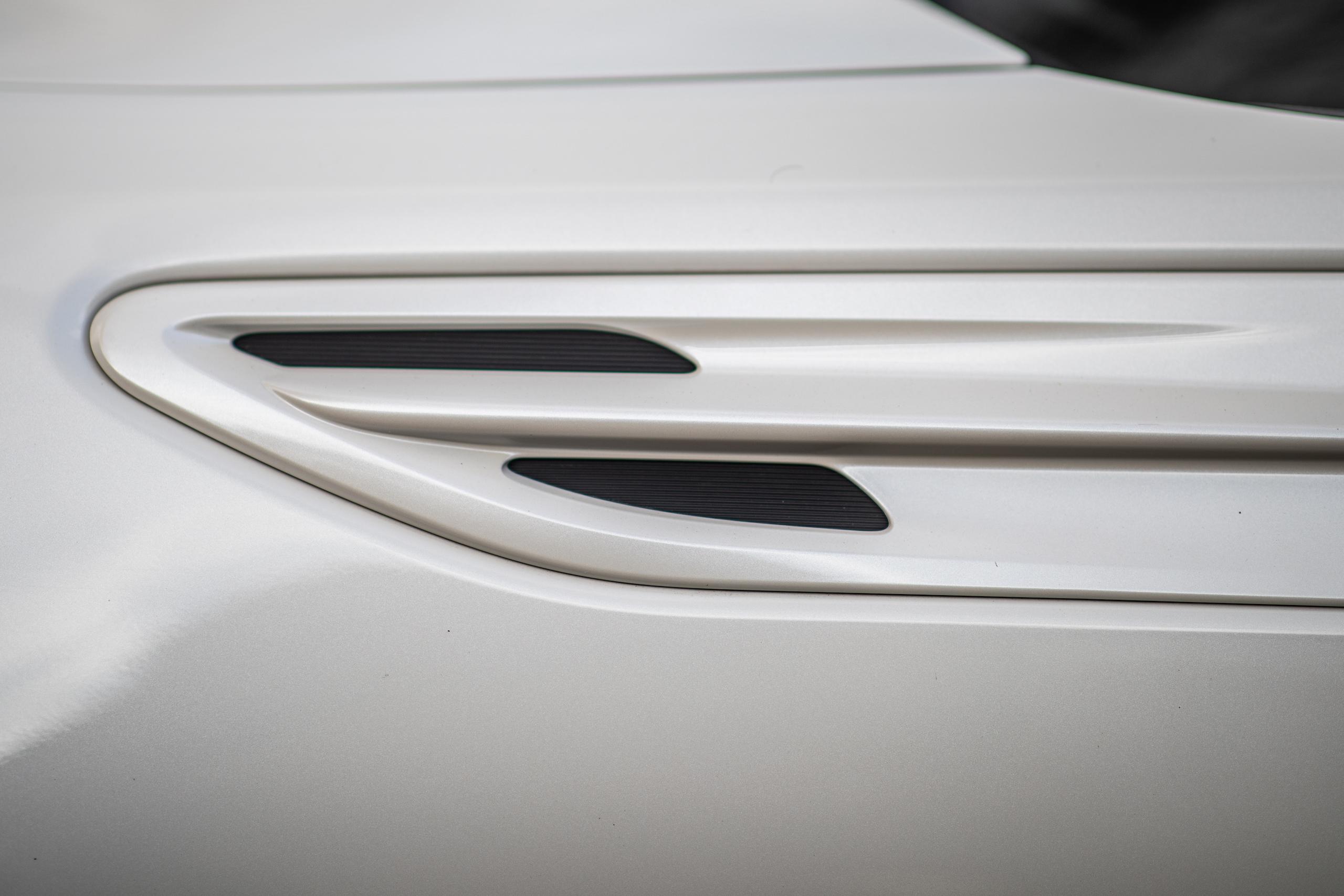 2020 Toyota 86 GT front quarter panel vent slit details