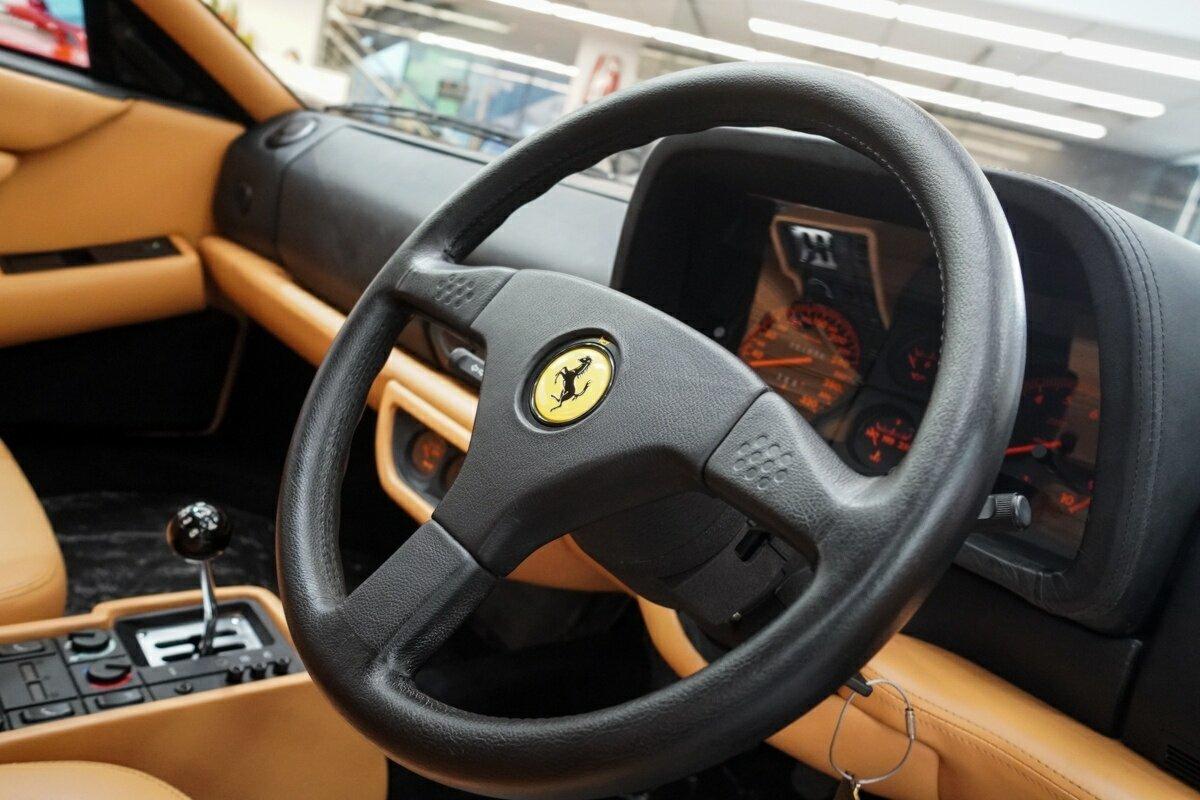 Ferrari 512TR interior wheel
