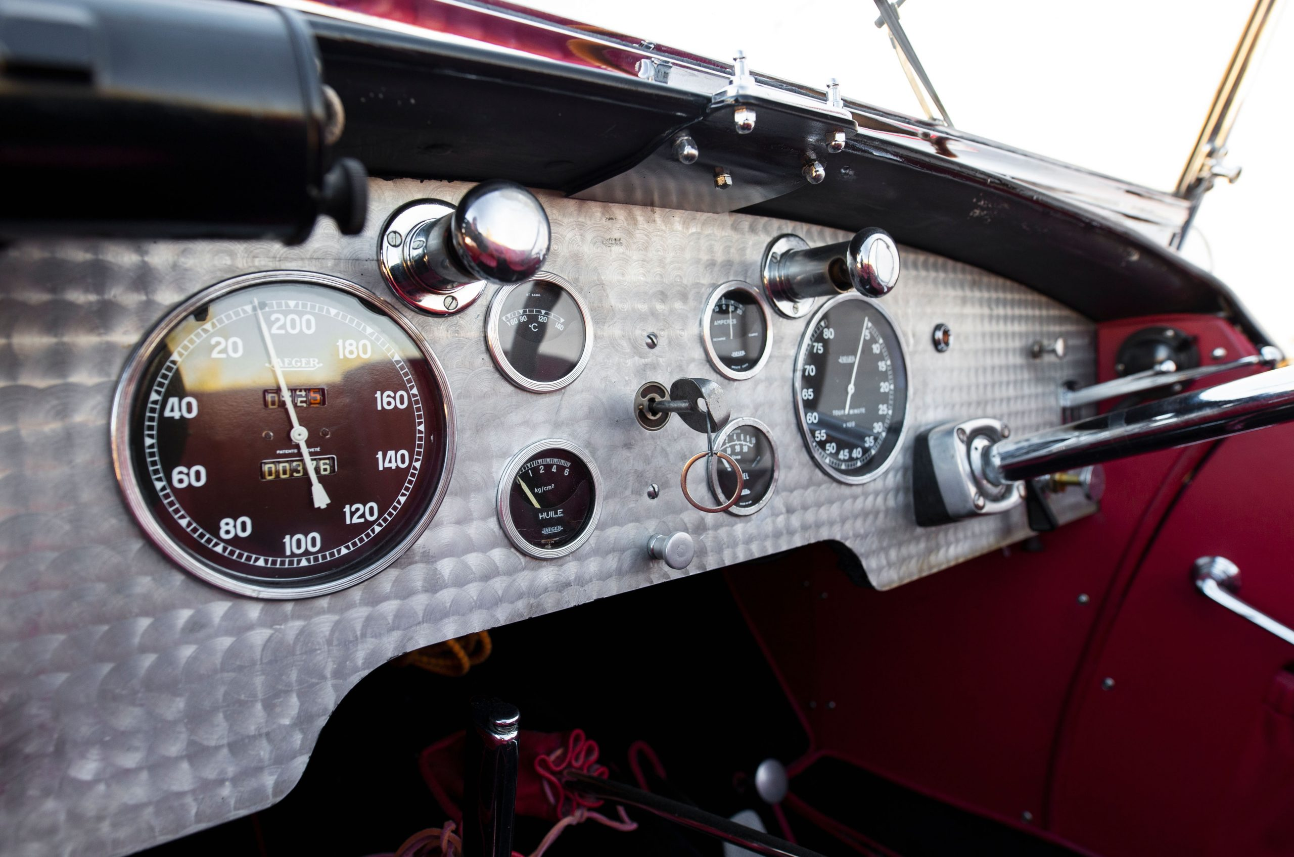 Bugatti Type 57SC interior dash