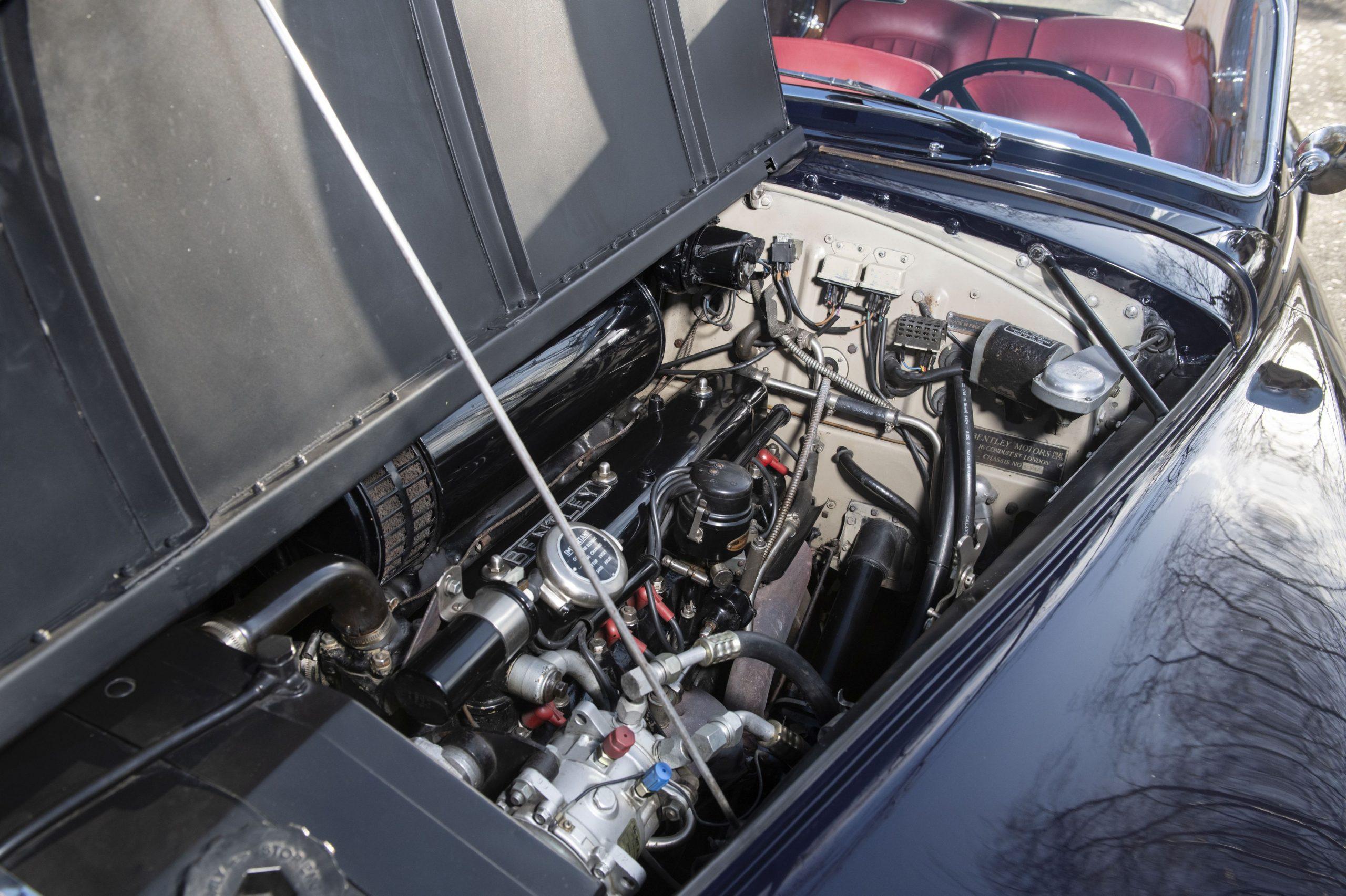 Bentley Continental R par HJ Mulliner engine