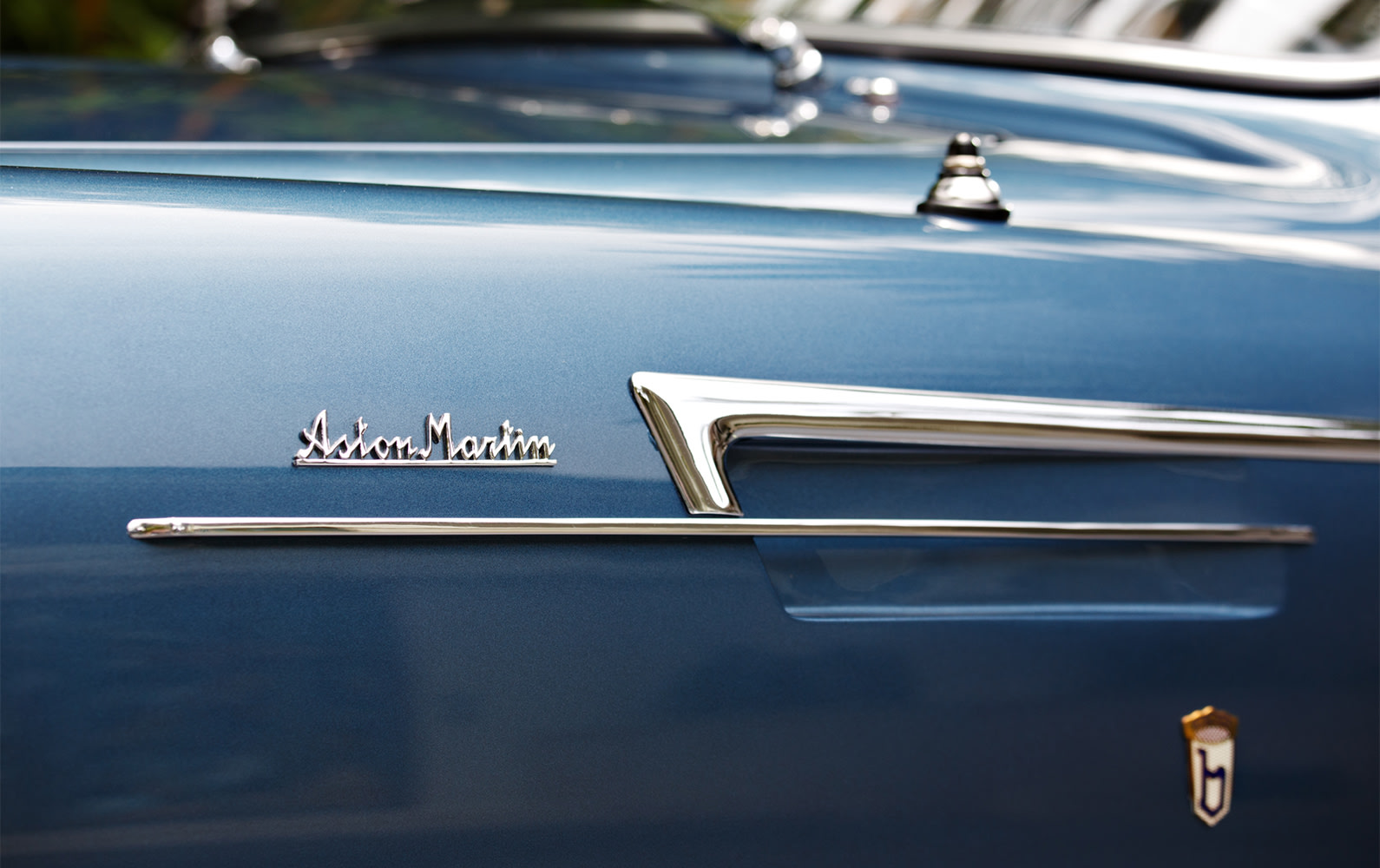 Aston Martin DB2 badging detail