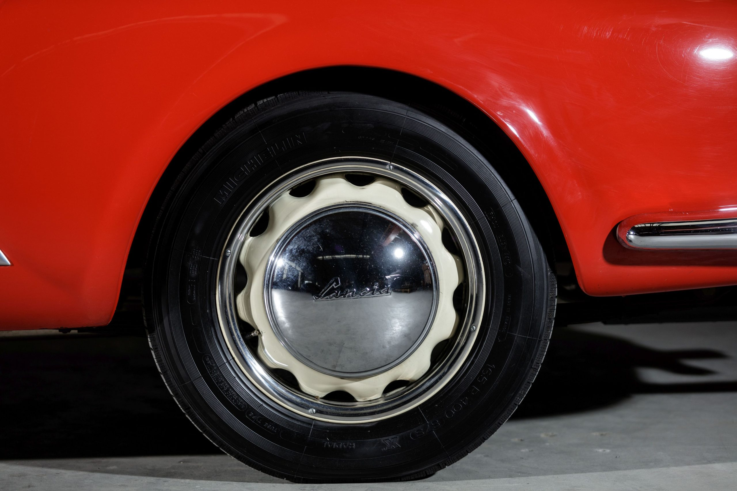 Lancia B24 Spyder America wheel