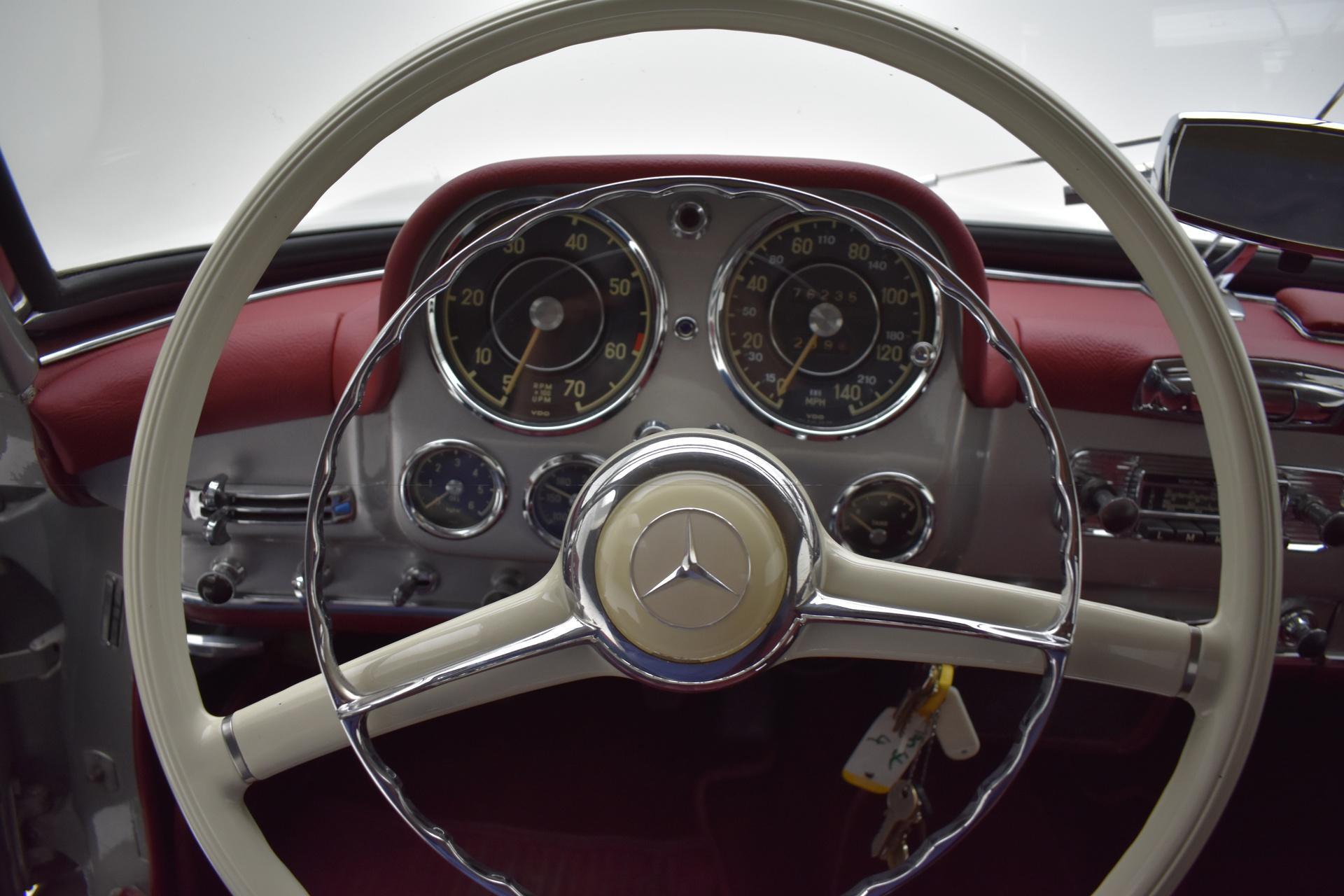 Mercedes-Benz 190 SL Roadster interior steering wheel