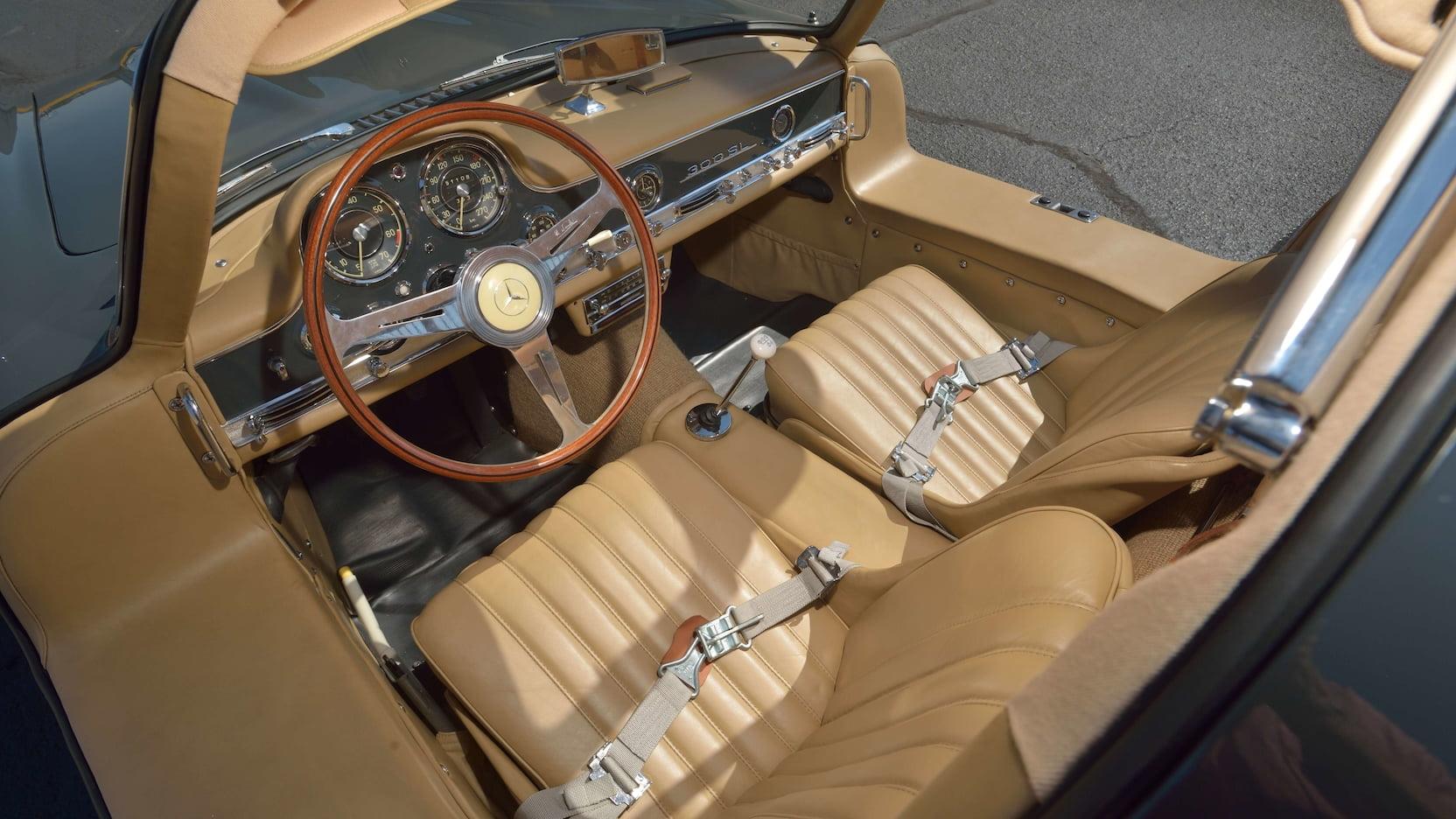 Mercedes-Benz 300SL Gullwing interior