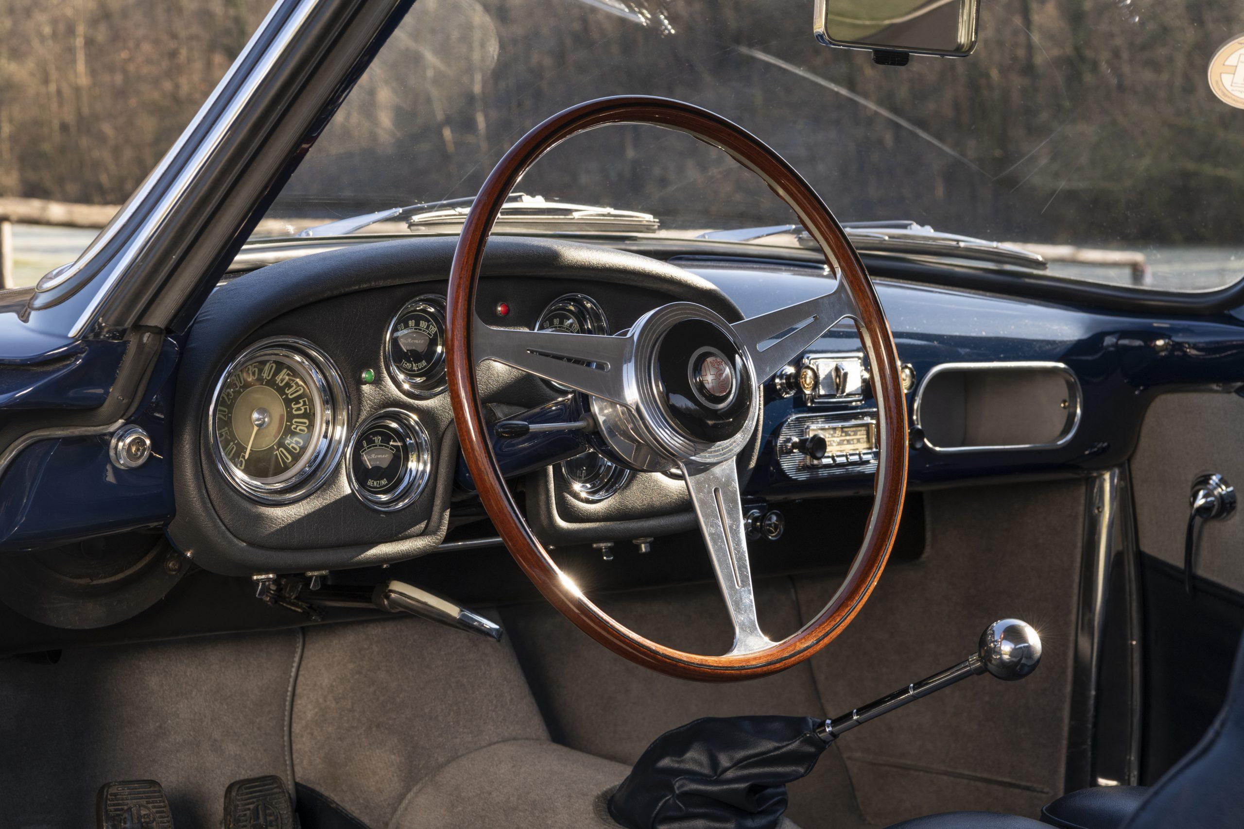 Alfa Romeo 1900C Super Sprint Coupe interior steering wheel