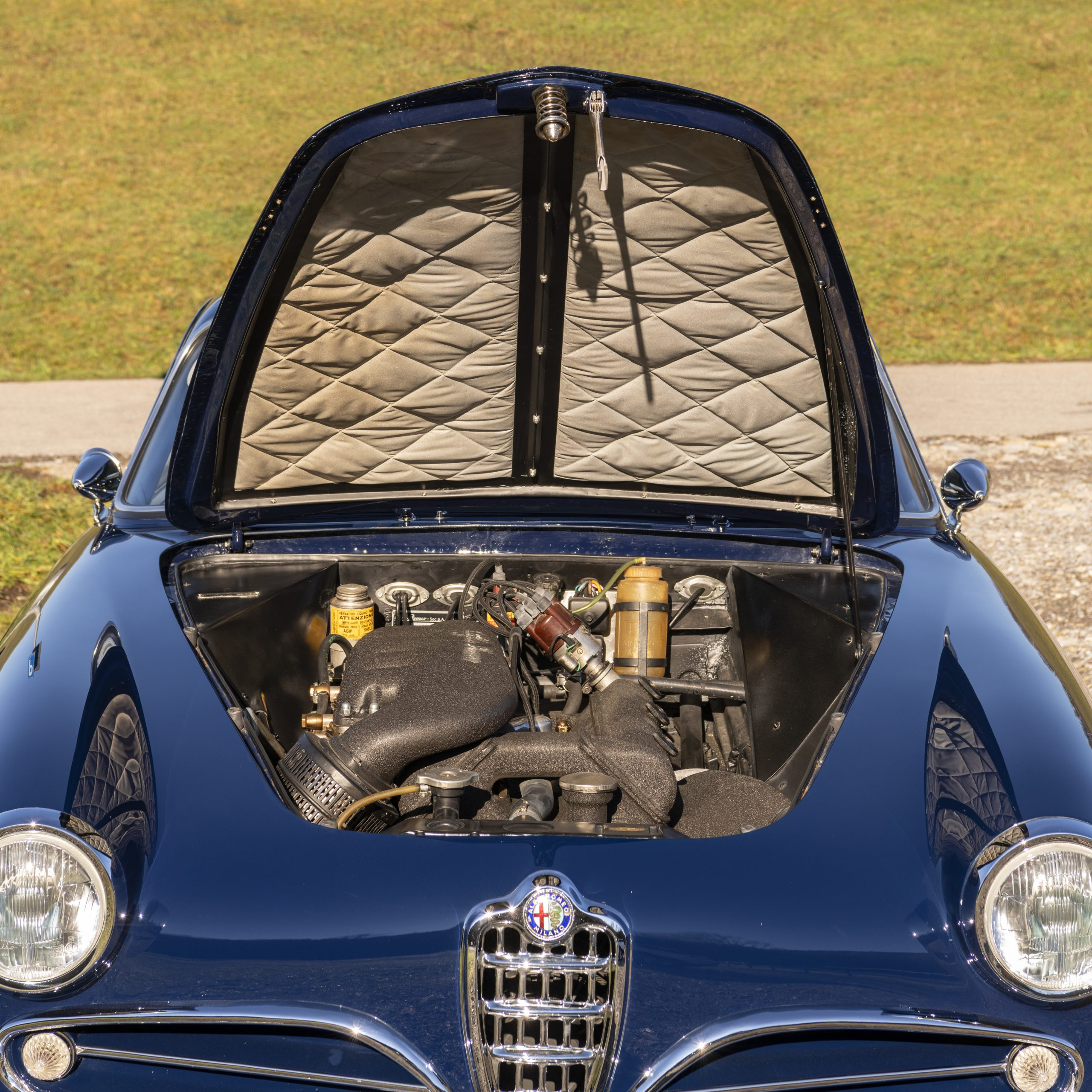 Alfa Romeo 1900C Super Sprint Coupe engine bay