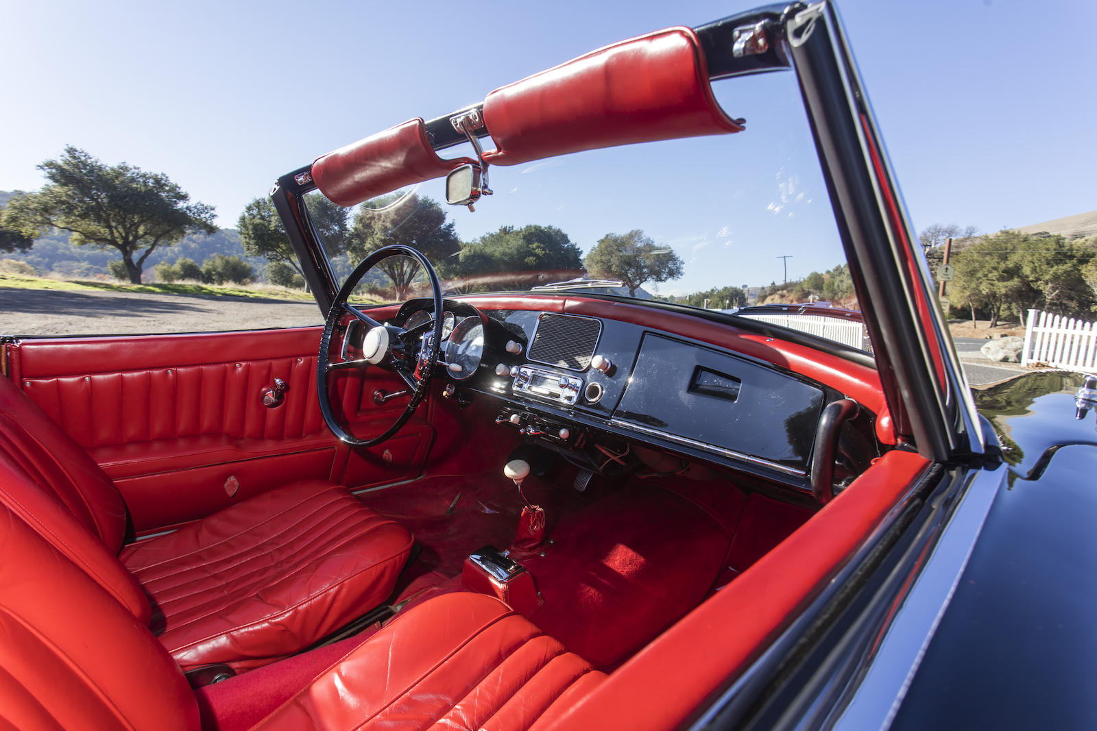 BMW 507 Series II Roadster interior