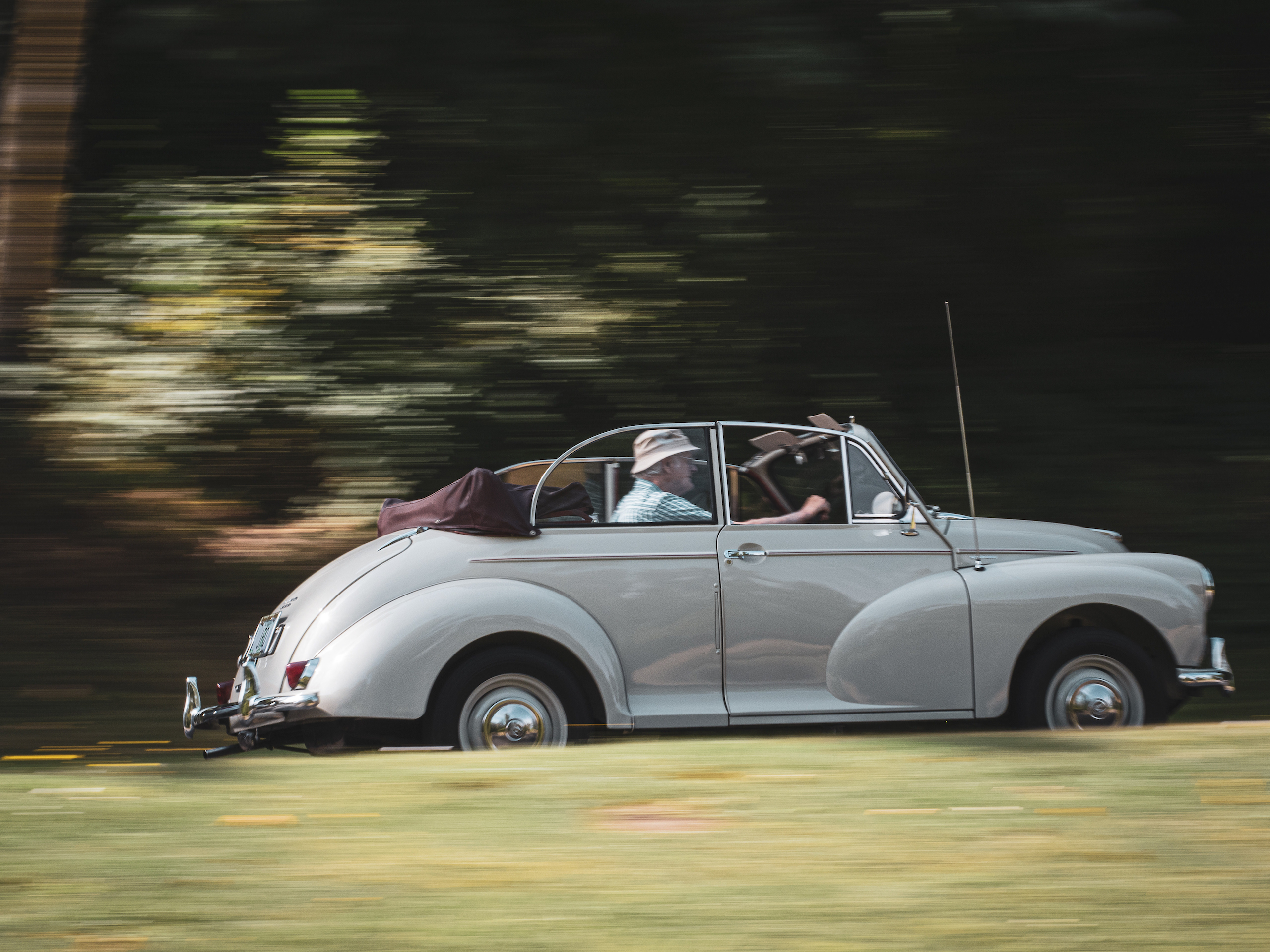 Morris Minor driving action