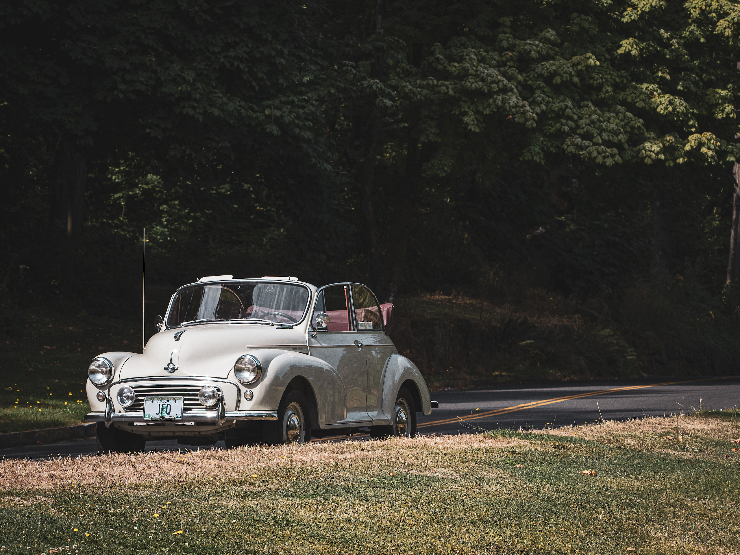 Morris Minor front three-quarter
