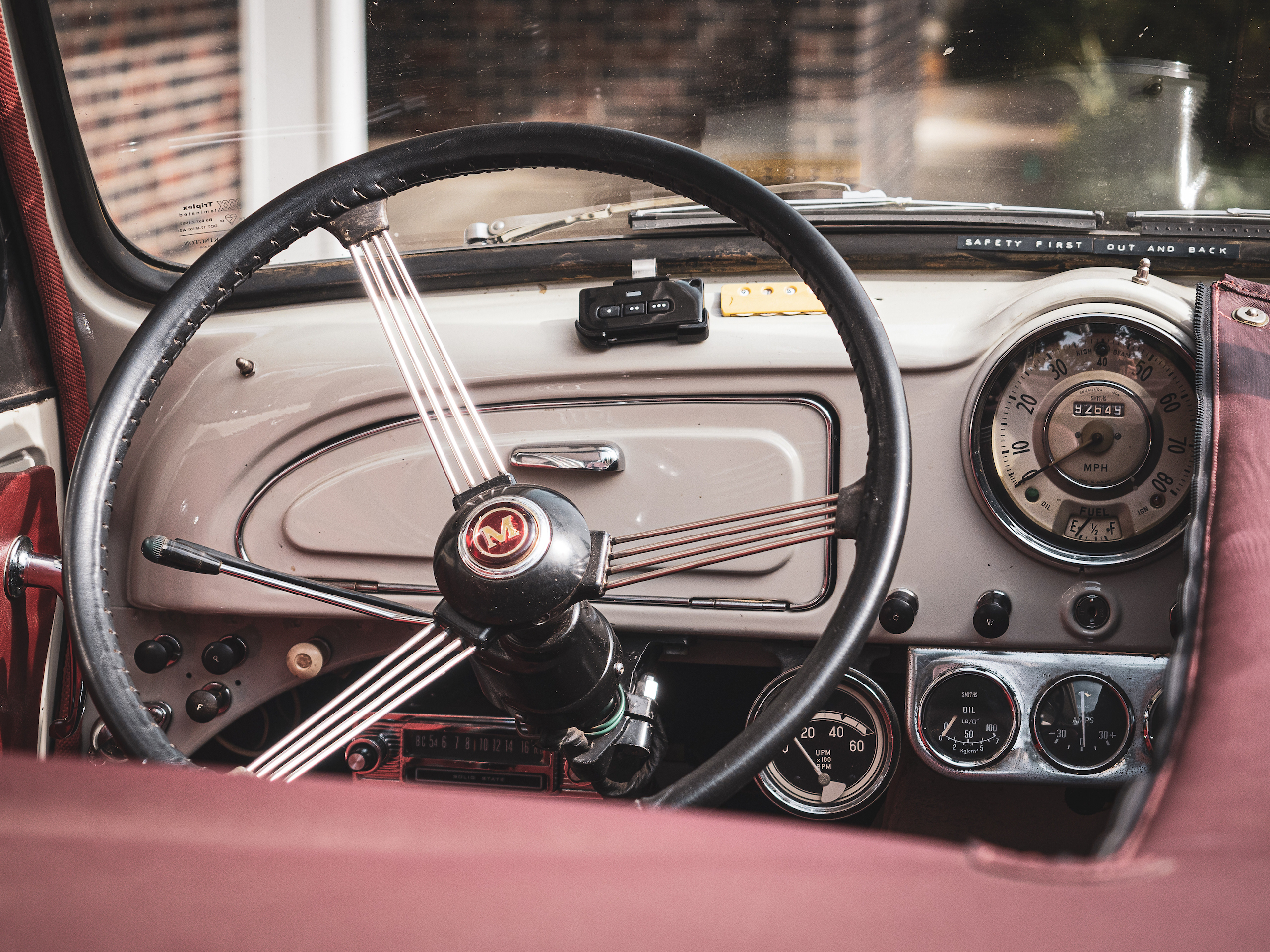 Morris Minor interior front dash