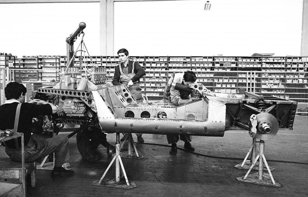 Mechanics building prototype P400 Miura