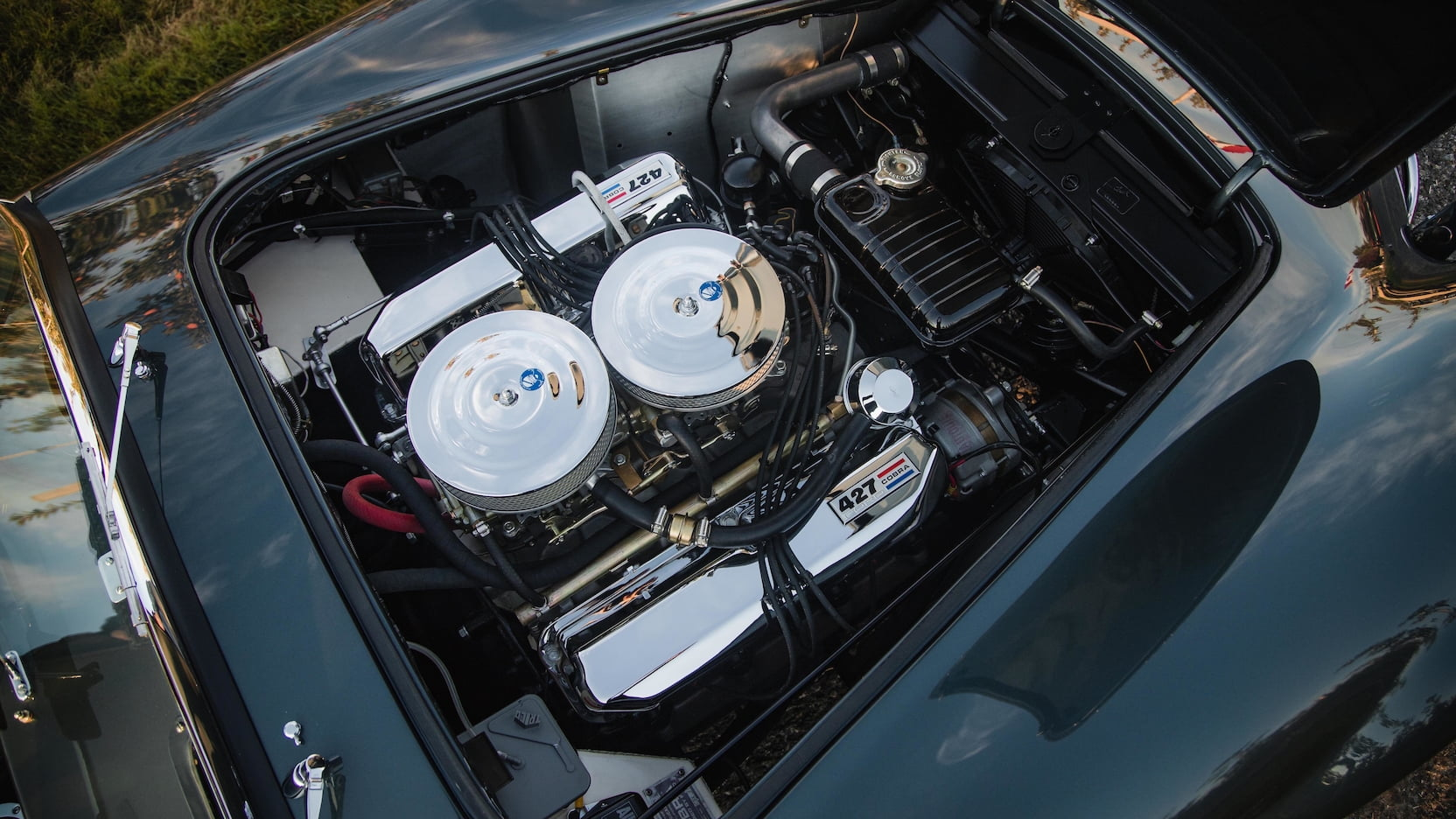 Shelby 427 Cobra Roadster engine