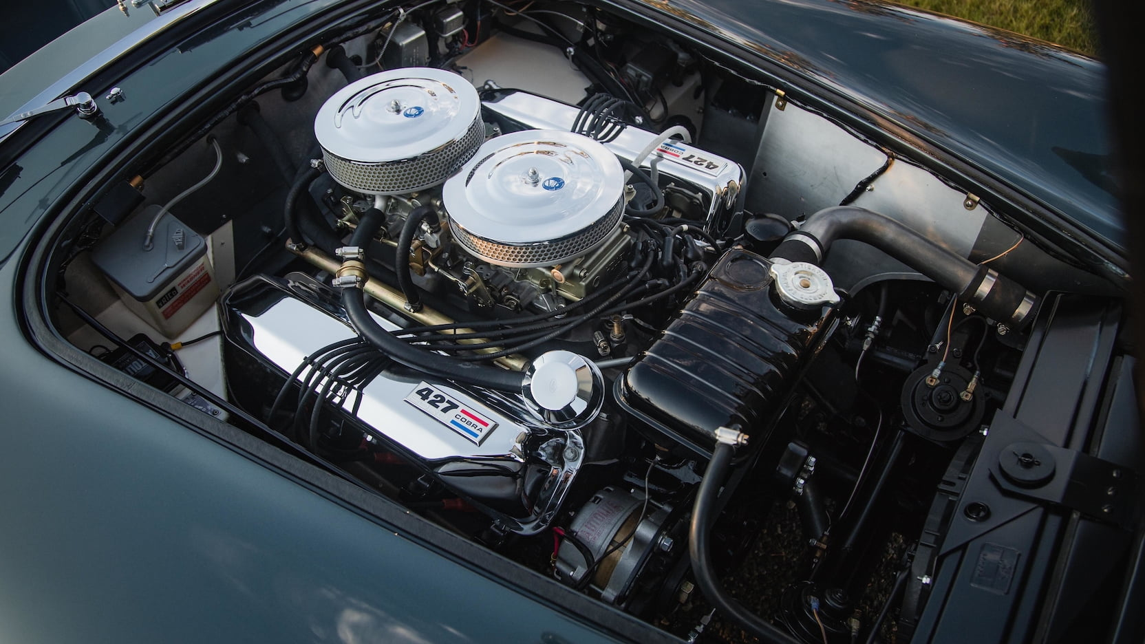 Shelby 427 Cobra Roadster engine