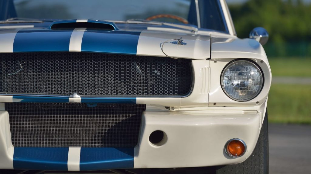 Shelby GT350R Fastback front half detail