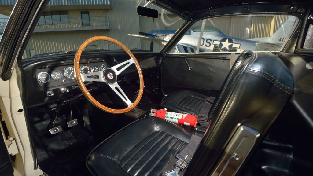 Shelby GT350R Fastback interior