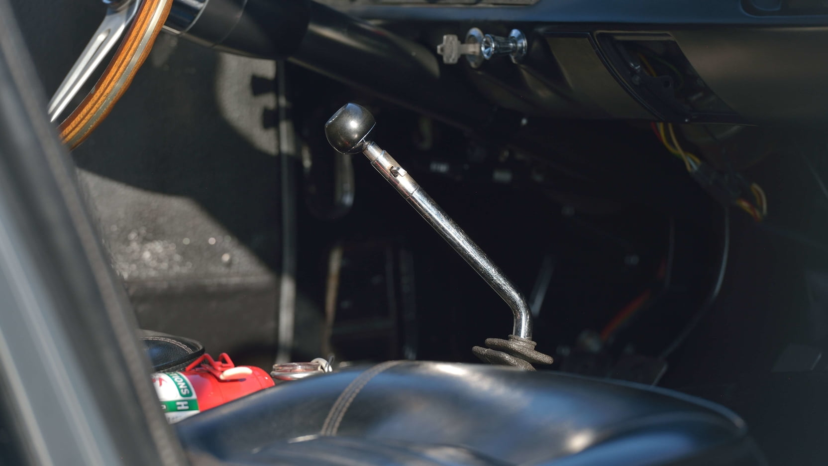 Shelby GT350R Fastback shifter