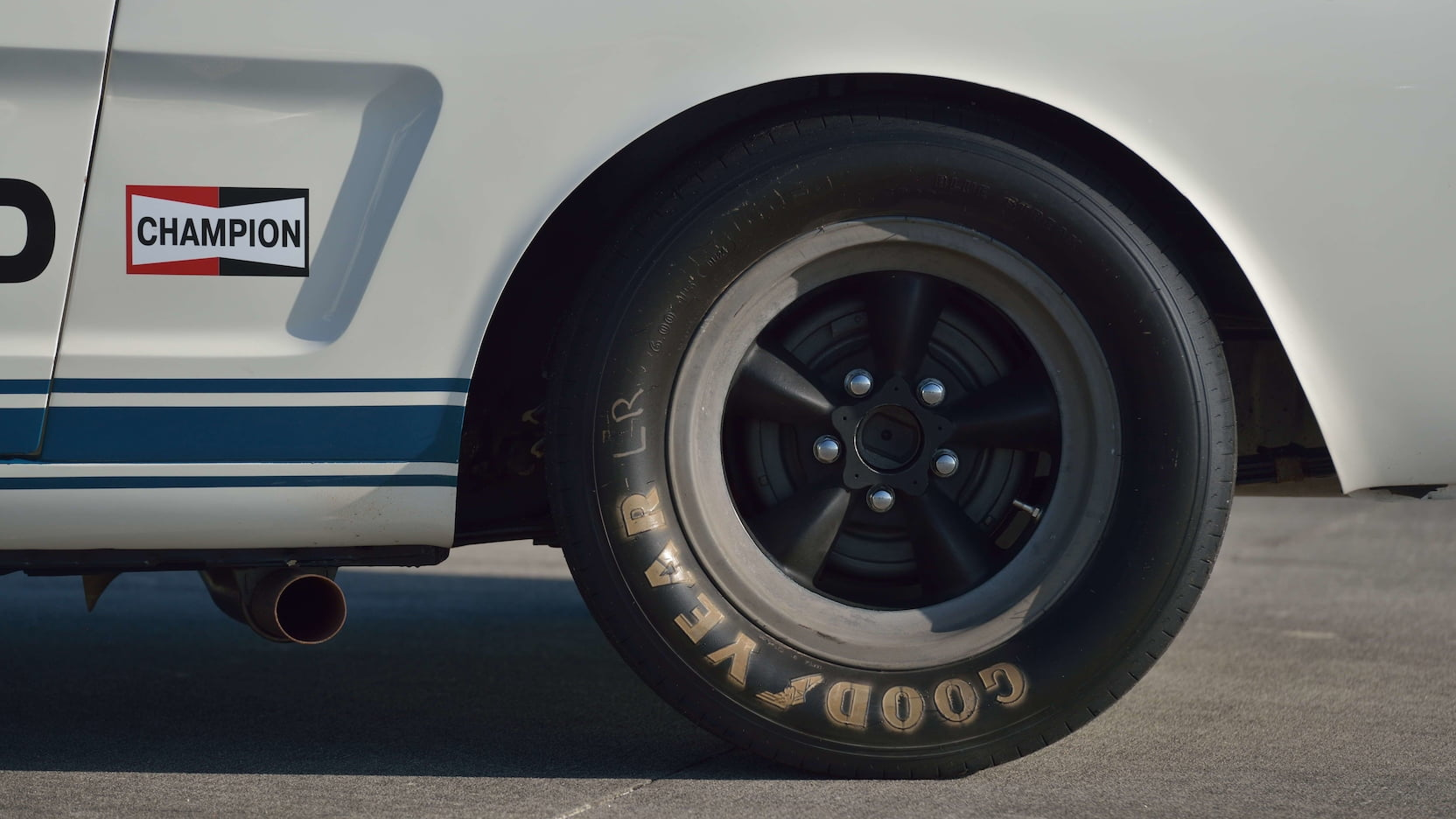 Shelby GT350R Fastback rear wheel