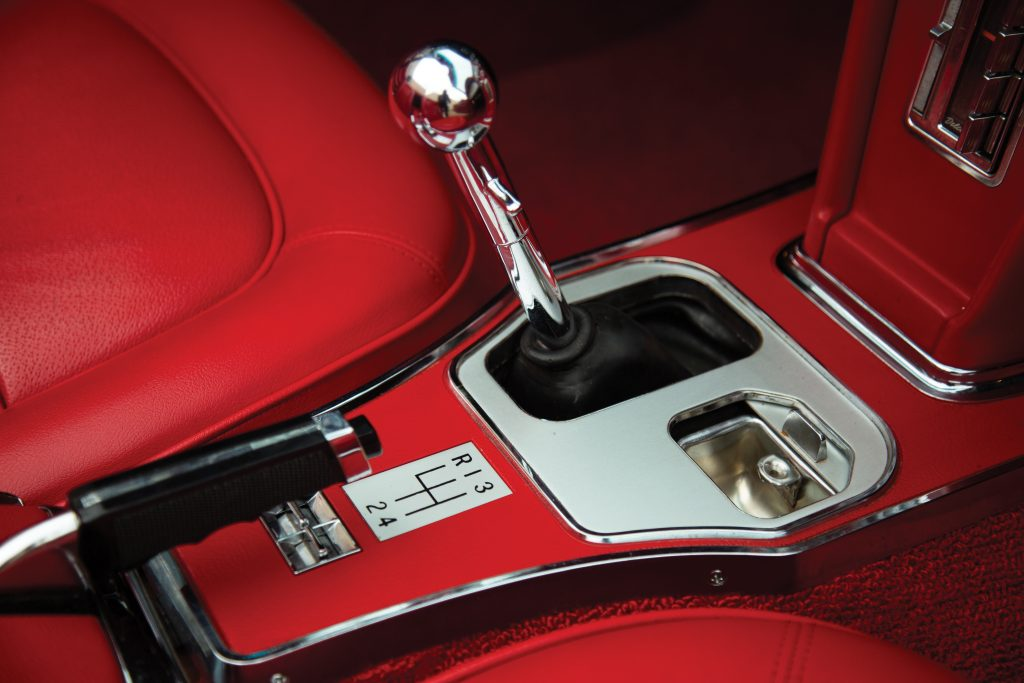 1967 Chevrolet Corvette Sting Ray 427 shifter