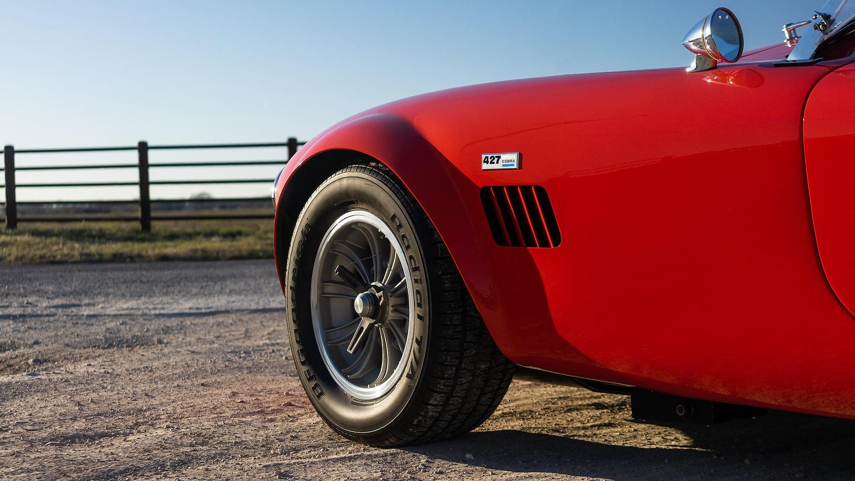Shelby 427 Cobra Roadster front quarter panel