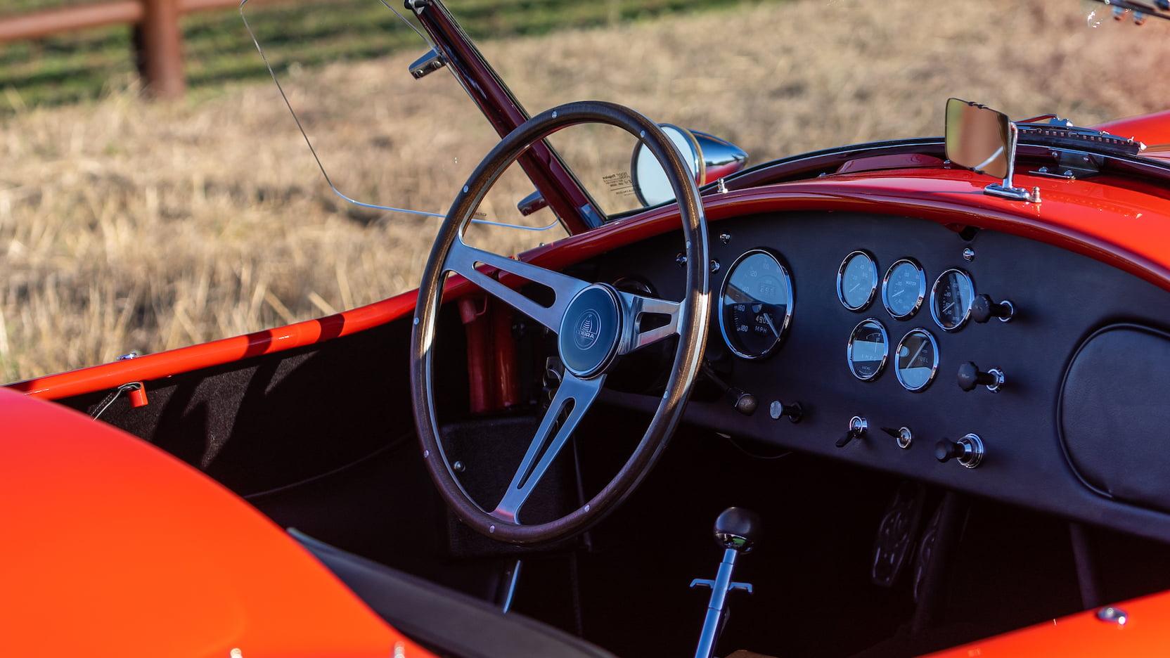 Shelby 427 Cobra Roadster interior steering wheel
