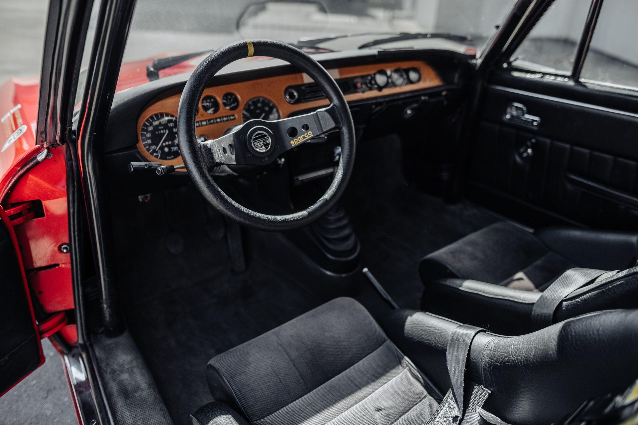 1972 Lancia Fulvia Coupe 1600 HF Series 2 Fanalino interior steering wheel