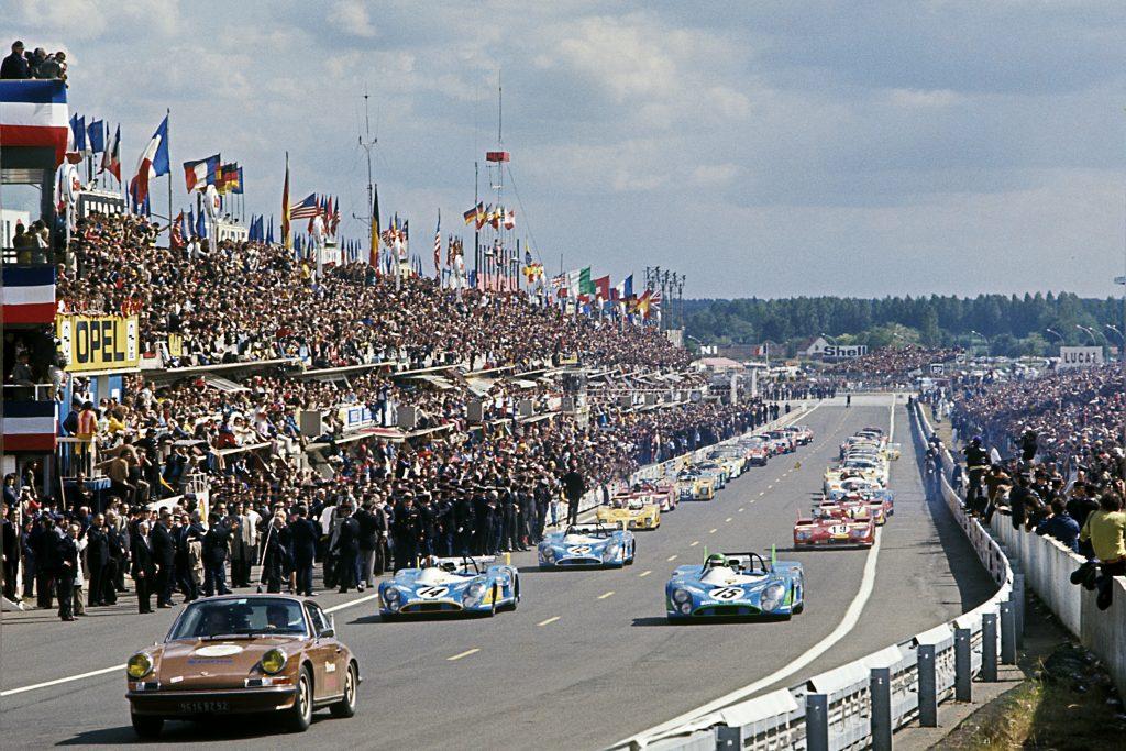 1972 Le Mans Race Start 1972 Matra MS 670 Lead