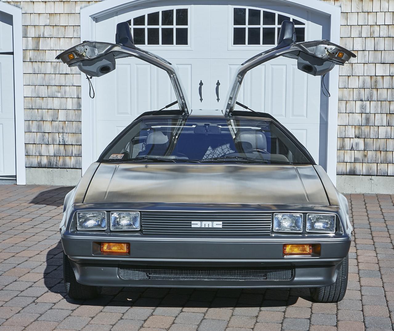1981 DeLorean DMC-12 5-Speed front doors up